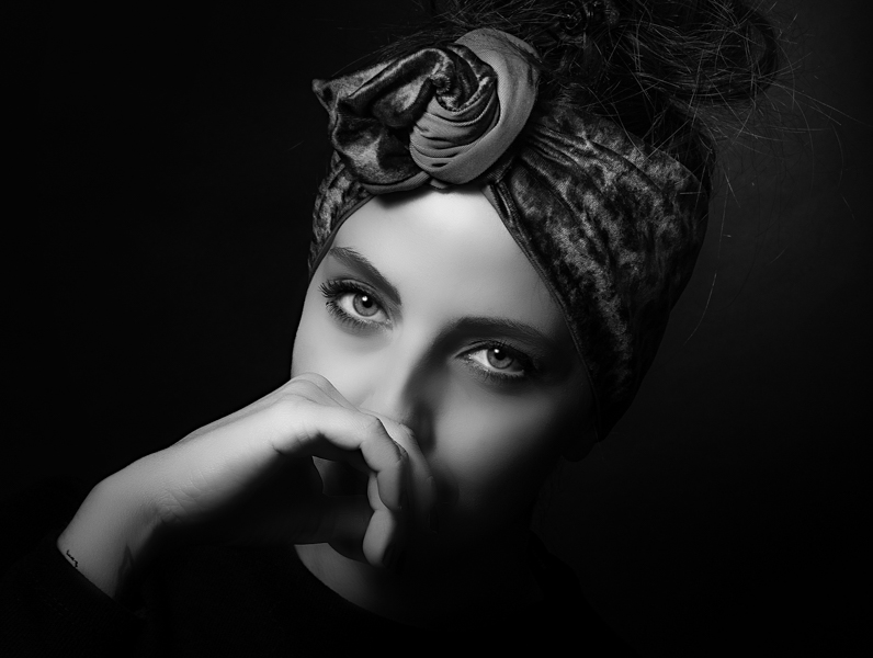 Occhi-di-LeiStefanoni-Stefano-AFIAPSan-Feliciano-MagionePG-Cortona-Photo-Academy